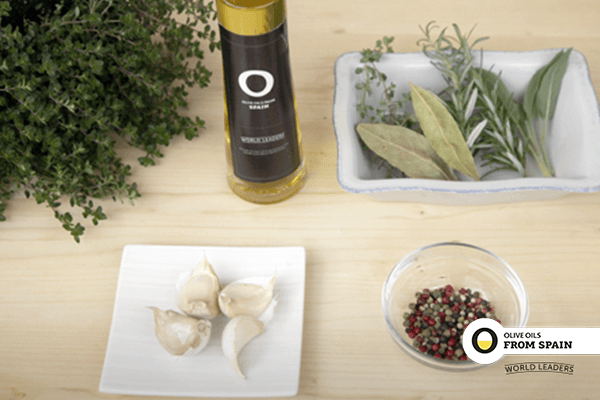 Herb-infused spice oil