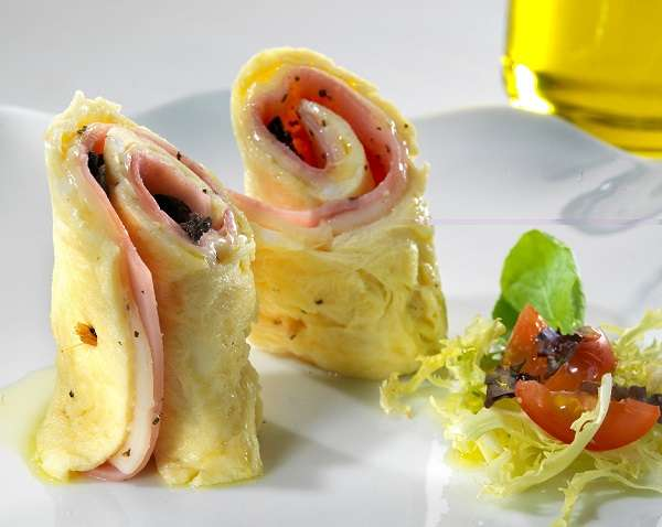 Ham and cheese omelette roll