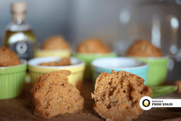 Little carrot cakes with olive oil