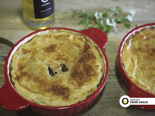 Meat pie with olive oil