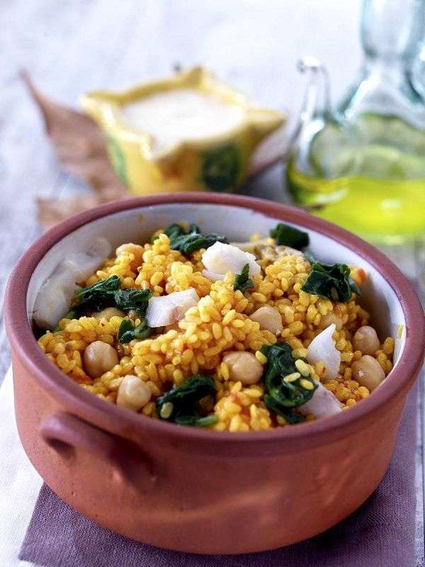 Rice casserole with spinach, chickpeas and cod recipe