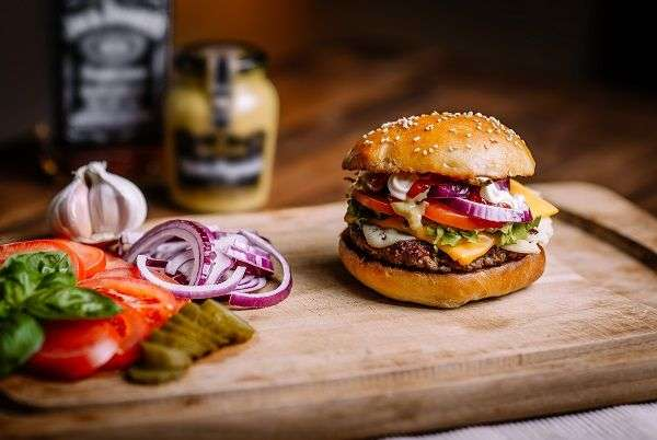 Chili Cheese Burger recipe made with olive oils from Spain