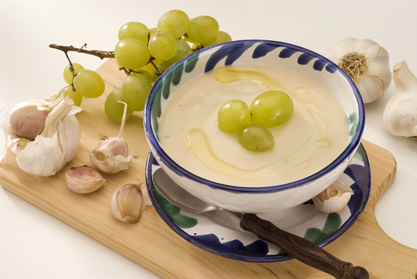 Chilled spanish almond & garlic soup with grapes recipe