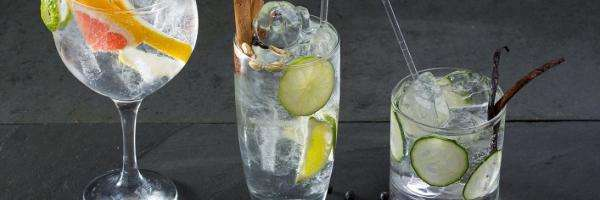 Gin Tonic with olive oil