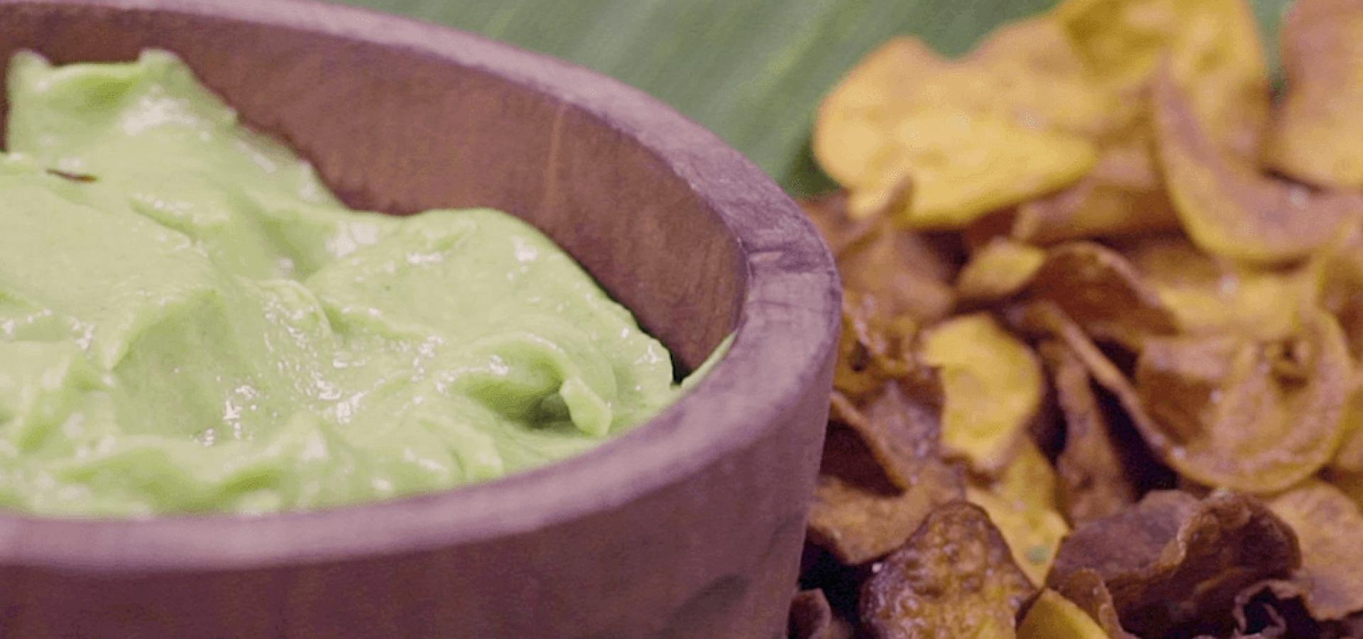Avocado cream with sweet potato chips