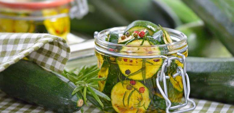 Fermenting and conserving vegetables in extra virgin olive oils