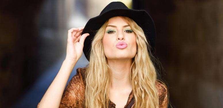 moisturize_lips_olive_oil