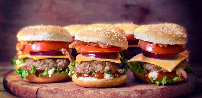 Mini Bacon Burguer recipe