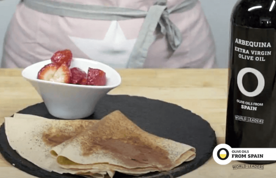 Crepes with spiced strawberries