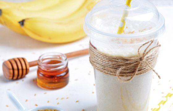 Yoghurt, ginger and banana detox juice recipe
