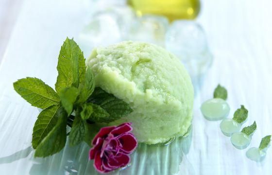 Soya yoghurt ice cream with mint and Olive Oil from Spain recipe