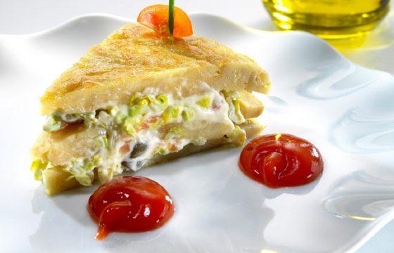 Pinchos of Spanish omelette stuffed