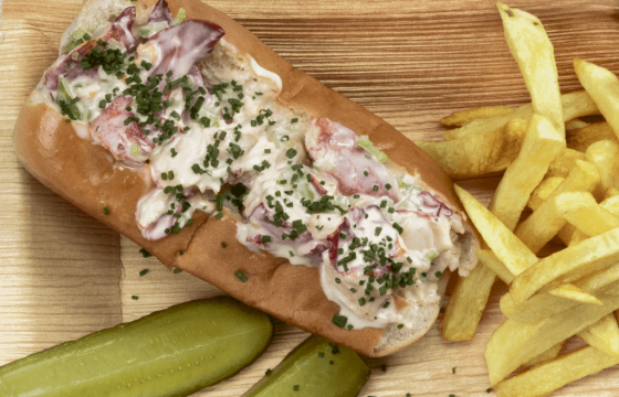 New England style lobster roll