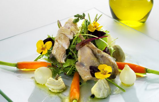 Quails in brine and baby vegetable salad