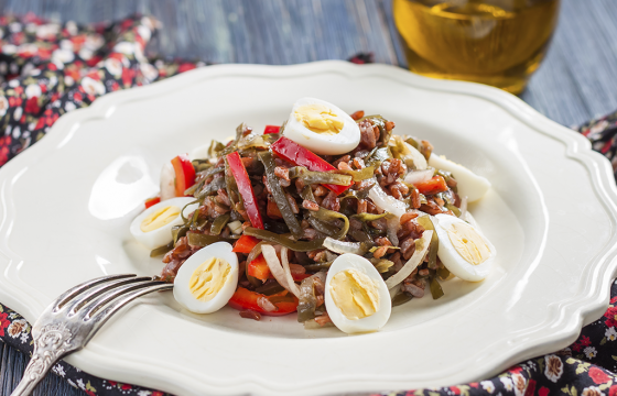 Red rice salad