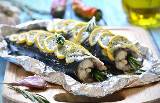 Roasted mackerel with lemon