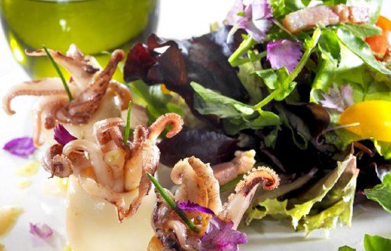 Sautéed squid with mixed salad recipe