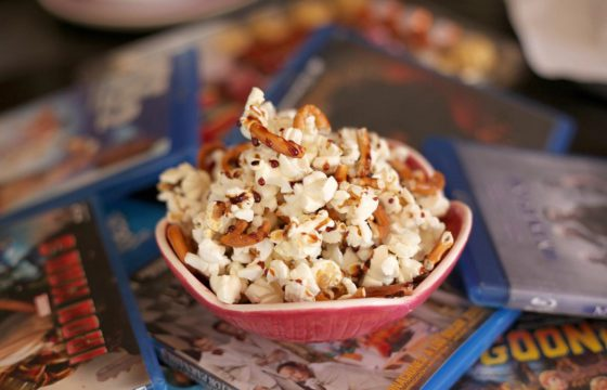Popcorn with caramel pretzels recipe