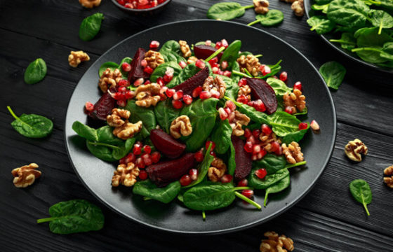Pomegranate, spinach and walnut salad